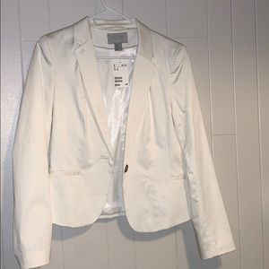 Brand new white Blazer